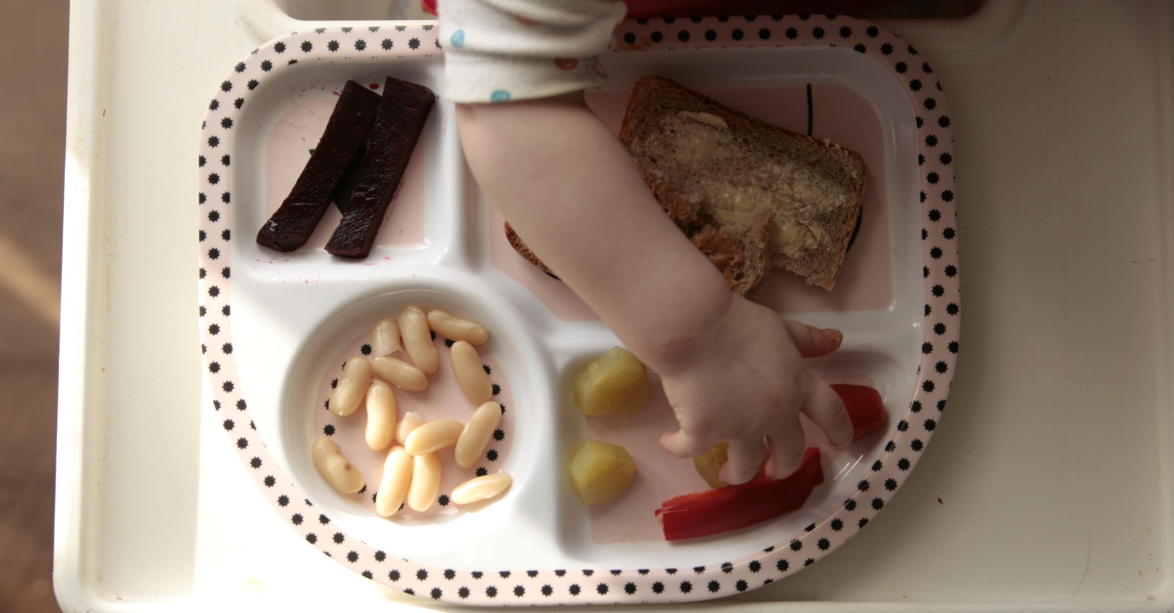 10 porad jak żywić niemowlę i nie zwariować