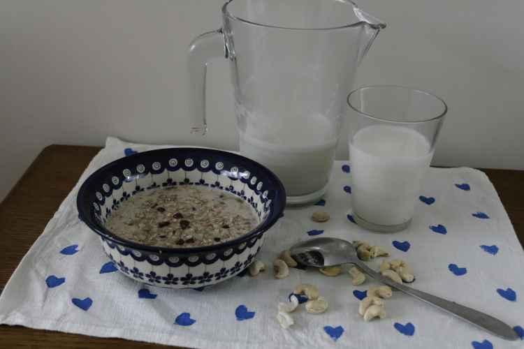 Jak zrobić mleko orzechowe