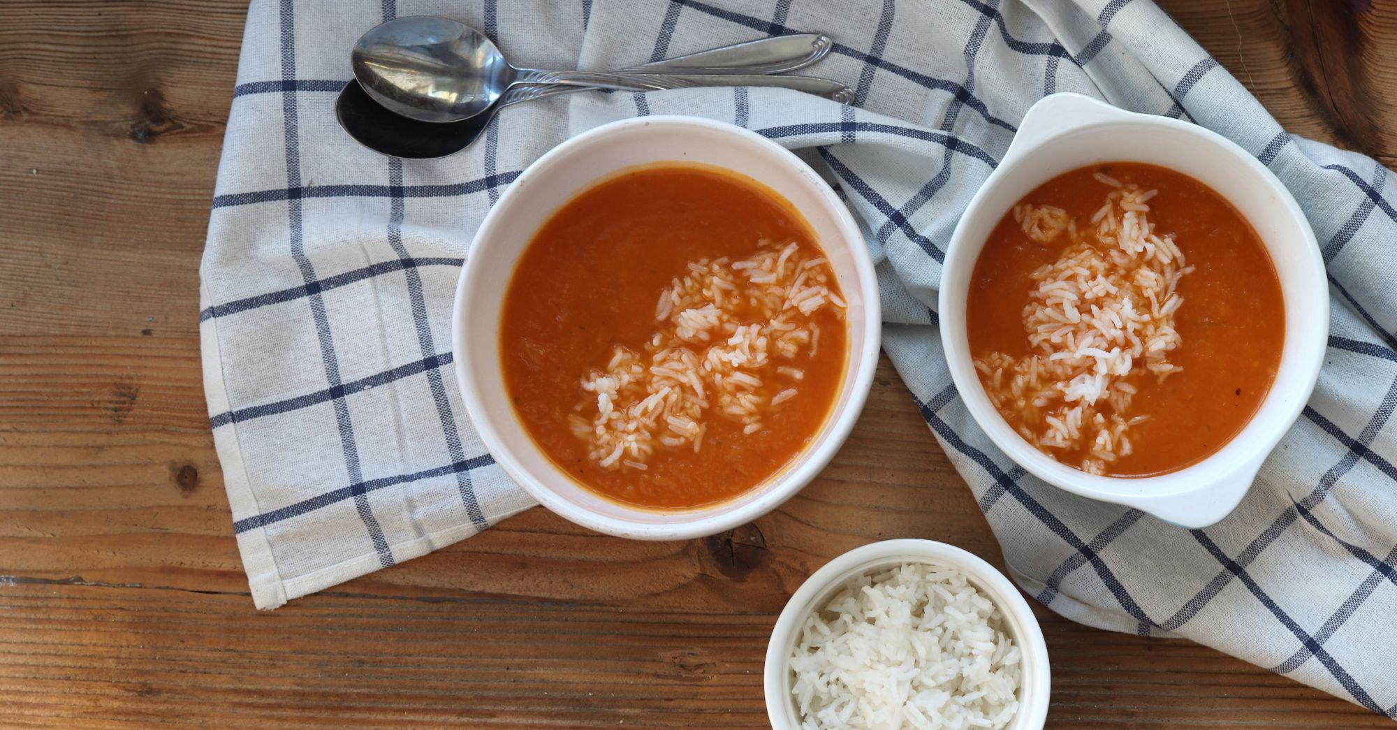 Zupa dyniowo – pomidorowa z ryżem