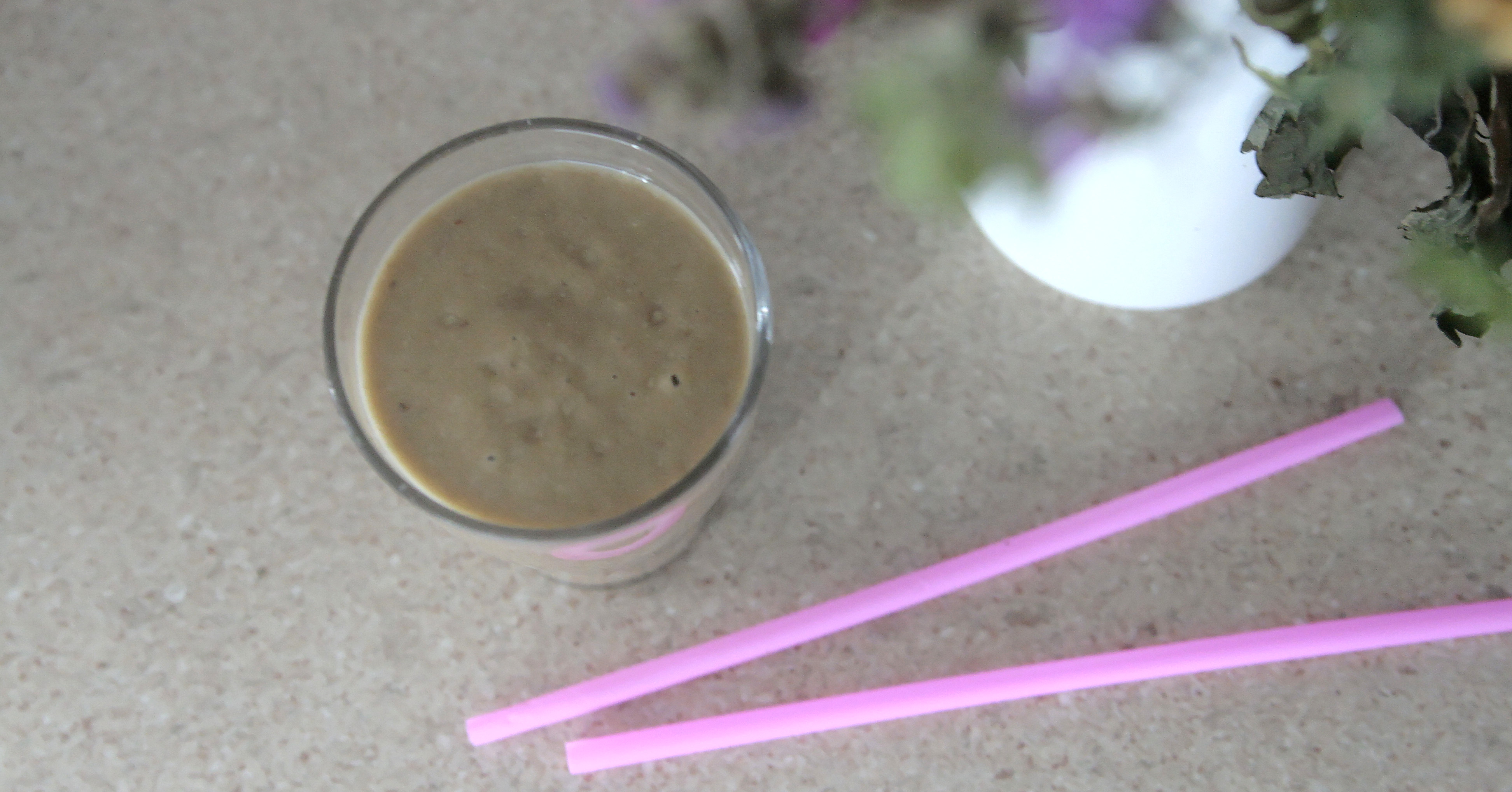 Miksujemy zielone: Koktajl z awokado, bananem i cukinią