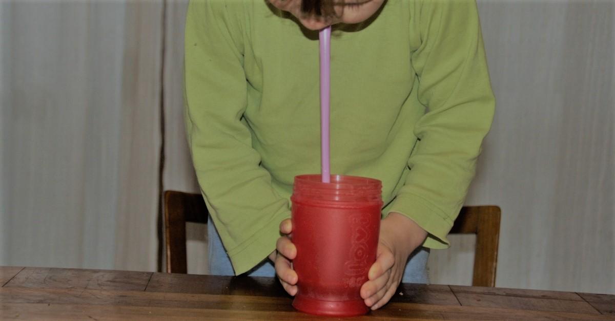 Jak nauczyć dzieci pić zielone koktajle?