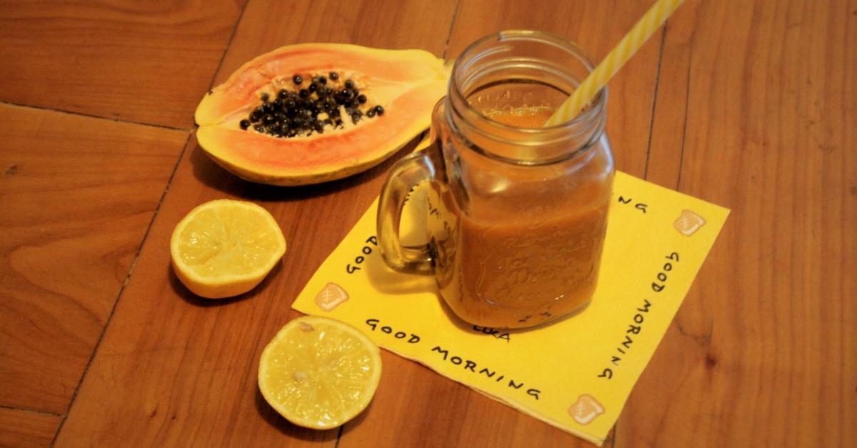 Miksujemy zielone: Pomarańczowy koktajl z papają i marchewką