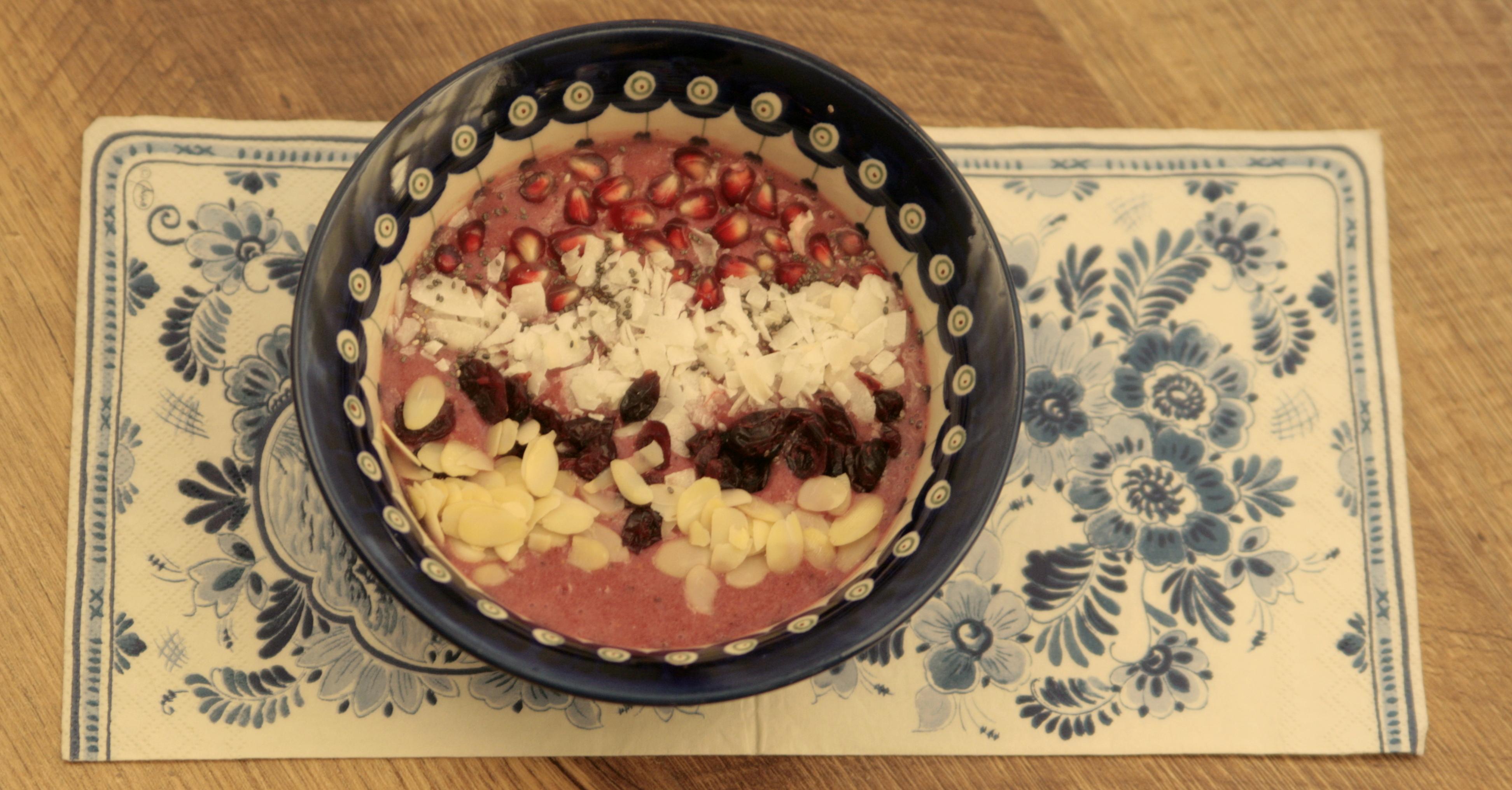 Smoothie bowl, a właściwie acai bowl