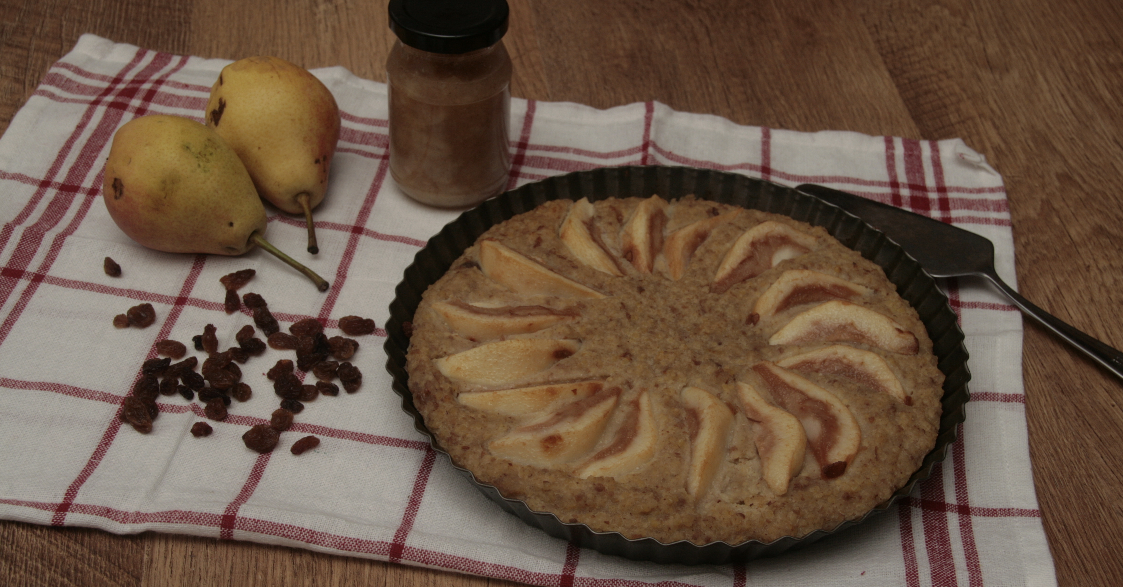 Gruszkowe ciasto z kaszą jaglaną (wegańskie i bez cukru)