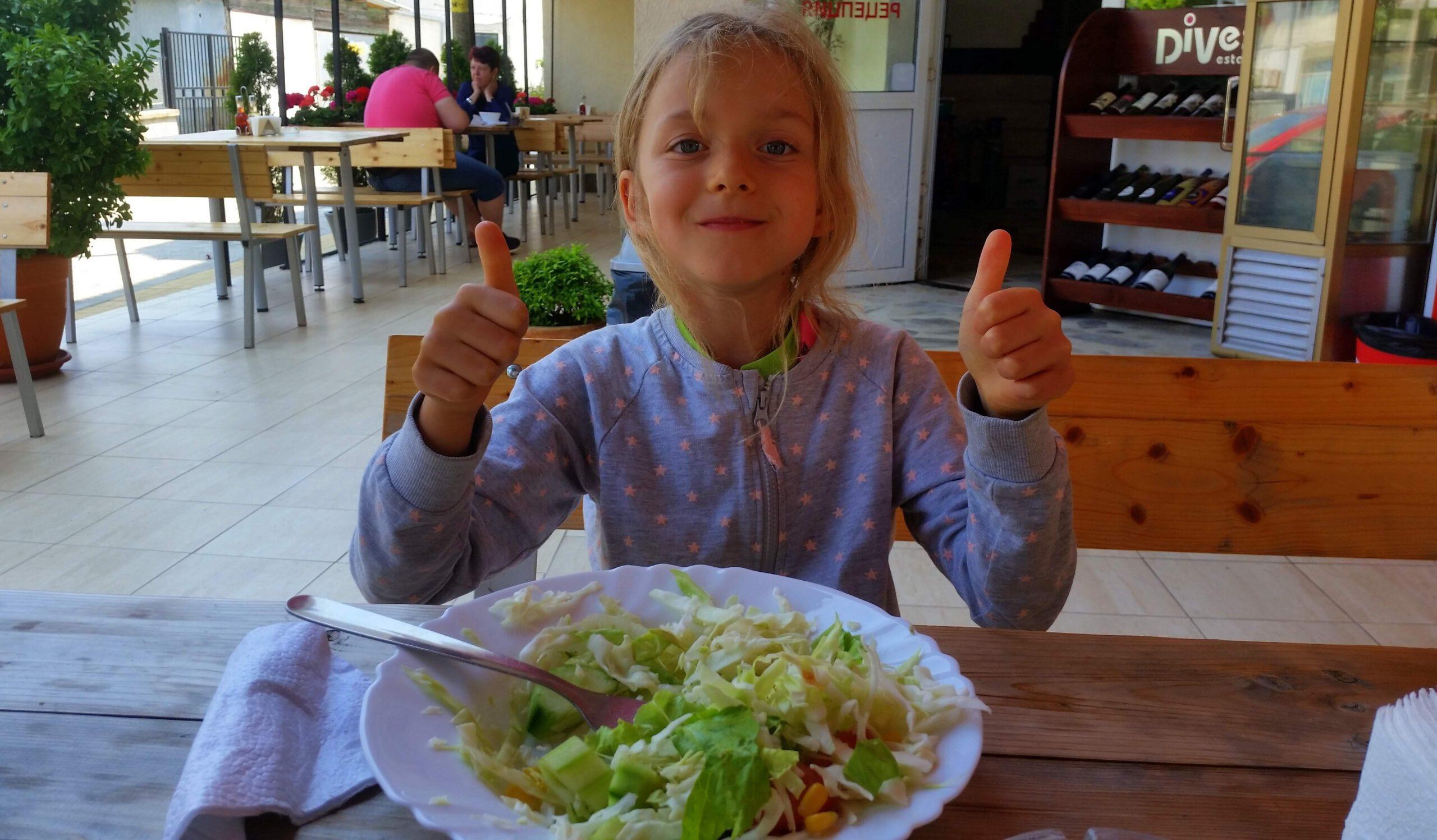 Dziecko nie je warzyw? Co zrobić, by je polubiło? Rozmowa o warzywach w diecie dzieci z Marią Pabich