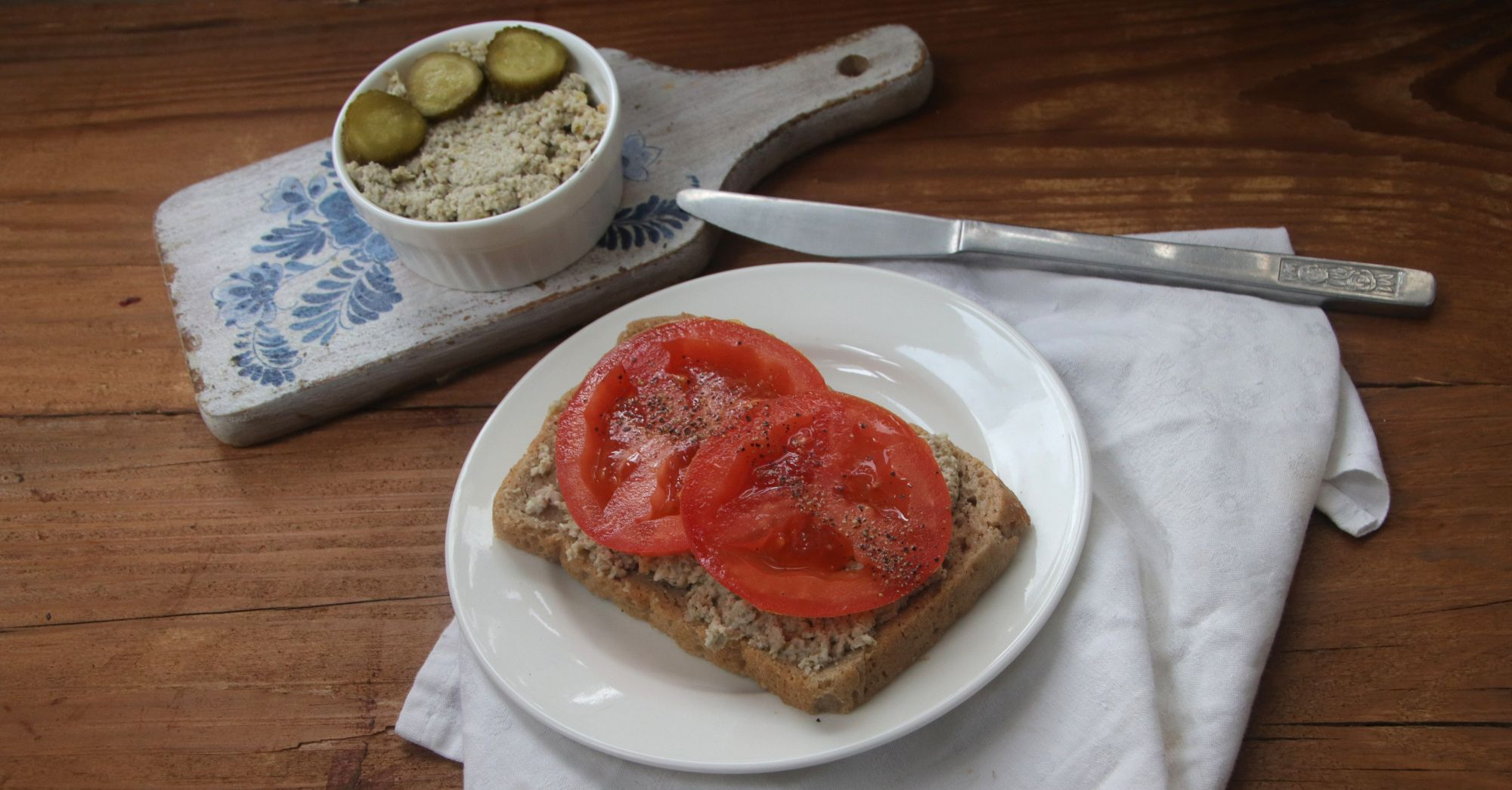 Pasta z bobu i suszonych pomidorów